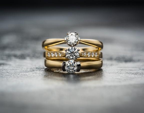 Juvelyriniai dirbiniai – džiuginanti ir vertinga dovana